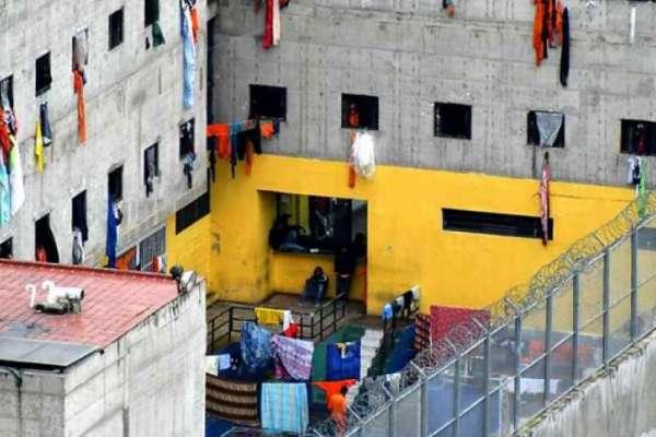 Confirman 2 muertos en el amotinamiento de la cárcel de el Turi