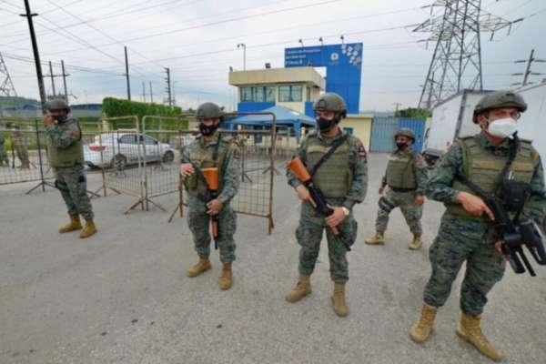 14 reos de la cárcel de Guayaquil se fugaron pero la Policía logra recapturarlos
