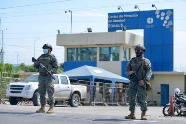 230 reos fueron trasladados a cárceles de otras provincias