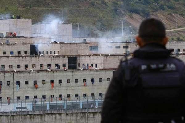 Herramientas de los talleres utilizaron los reos para atacar en la cárcel de Cuenca