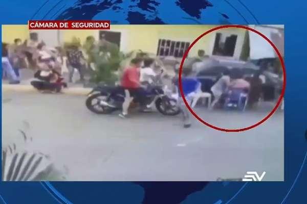 Conductor arrolla a personas que jugaban bingo en Guayaquil
