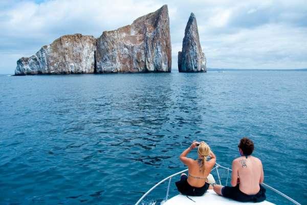 La reserva de Galápagos en el foco de un polémico canje de deuda