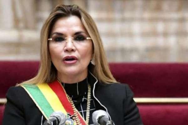 Trasladan a expresidenta interina Áñez a La Paz para legalizar su detención