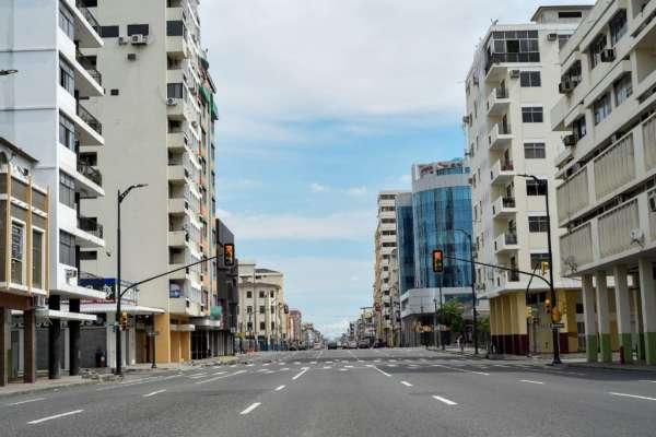 Ecuador cumple el primer día de un confinamiento masivo de fin de semana