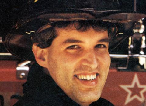 Los restos del bombero Jeffrey Walz fueron identificados en 2013, casi doce años después de la tragedia. Él murió sepultado por el derrumbe de la torre Norte junto a otros socorristas.