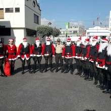 Uniformados evocan espíritu navideño con disfraces. Foto: Policía Nacional.