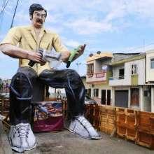 Monigotes Gigantes en el Suburbio de Guayaquil