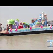 Uno de los eventos más importantes fue el desfile náutico por el río Guayas.