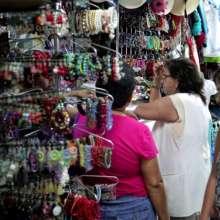 Los mercados artesanales de la ciudad de Guayaquil son espacios llenos de arte. Foto: Archivo