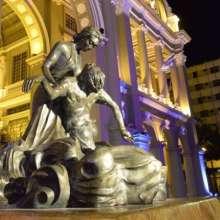 """El conjunto escultórico """"virtudes de Guayaquil"""", un gran momento para Guayaquil."""