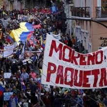 La marcha la encabezaron Ricardo Patiño y Gabriela Rivadeneira. Foto: API