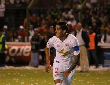 El defensa argentino-ecuatoriano dejó el retiro para unirse al club de Segunda Categoría. Foto: Archivo