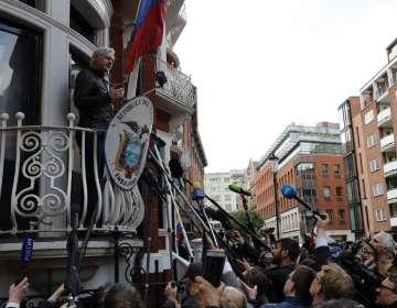Assange ha pasado los últimos casi siete años encerrado en la embajada ecuatoriana. Foto: AFP