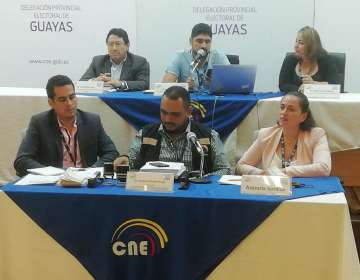 GUAYAQUIL, Ecuador.- Un 18% de ausentismo registró esta delegación electoral con más de 3 millones de votantes. Foto: CNE Guayas
