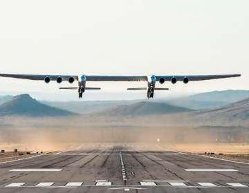 Primer vuelo en EEUU del avión más grande del mundo. Foto: AFP