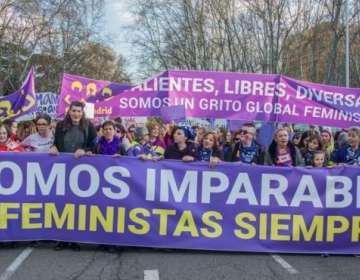 La autora feminista Coral Herrera considera que, aunque pierda impulso con el tiempo, al movimiento #MeToo no lo para nadie.