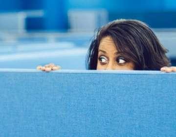 Si la vigilancia en los lugares de trabajo no se hace de manera correcta, puede acabar siendo contraproducente. Getty Images
