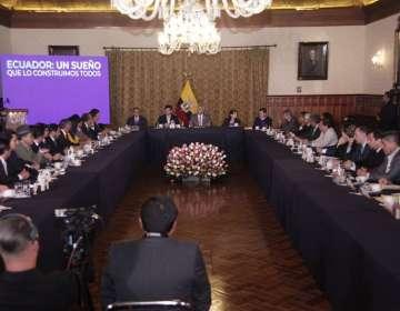 QUITO, Ecuador.- Autoridades se comprometieron a pagar deuda del Estado con los gobiernos provinciales. Foto: Flickr Presidencia