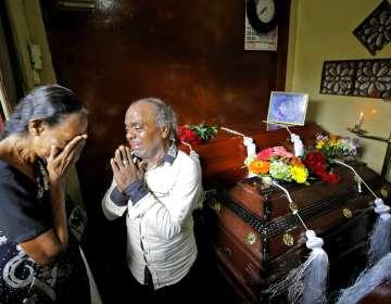La serie de explosiones coordinadas dejó al menos 321 muertos. Foto: AP