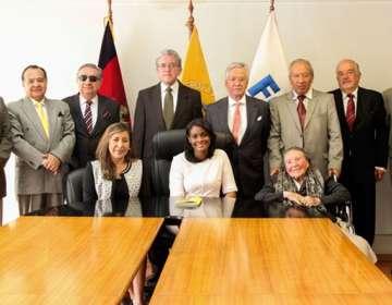 Los comisionados dijeron que en Ecuador no hay futuro si no se termina con la corrupción. Foto: Fiscalía General del Estado