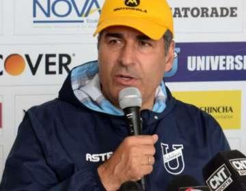 Santiago Escobar, entrenador de la U. Católica.