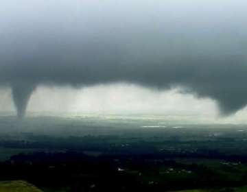 Expertos calculan que sistema de tormentas se dirige Arkansas y Missouri. Foto: AP