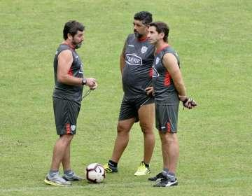 El entrenador de Barcelona aseguró que ya habló con ambos jugadores. Foto: API
