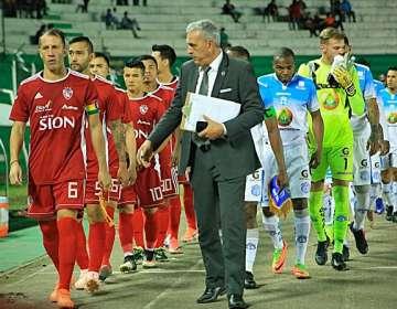 Equipos previo al partido en Bolivia. Foto: Royal Pari.