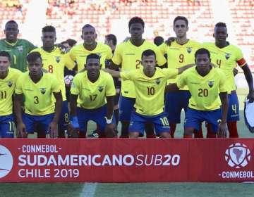 Jugadores de la selección ecuatoriana sub 20.