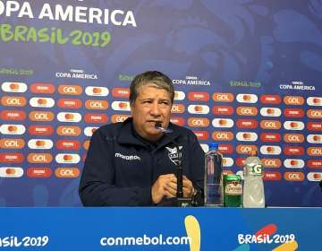 Bolillo Gómez en rueda de prensa. Foto: Twitter Andrés Muñoz.