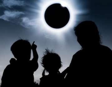 """Vivir el momento en que la Luna se interpone entre el Sol y la Tierra, y el día se hace """"noche"""", es una experiencia inolvidable."""