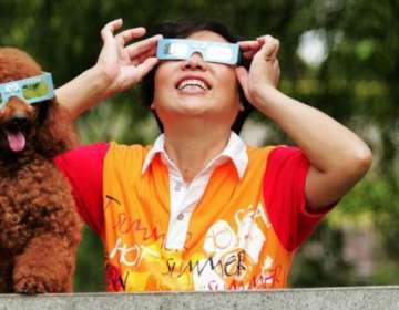 ¿Qué les pasa durante la repentina oscuridad de un eclipse solar total?