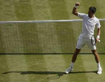 Novak Djokovic, celebrando en el césped.