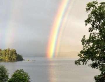 El arcoíris fue fotografiado en Escocia. Foto: SAXAPHONEJAN/BBC WEATHER WATCHERS