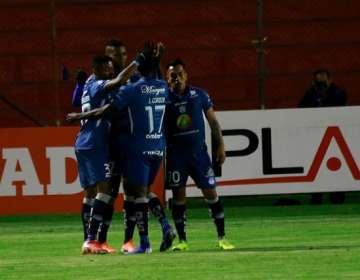 Jugadores de Macará celebran un gol. Foto: Twitter Macará.