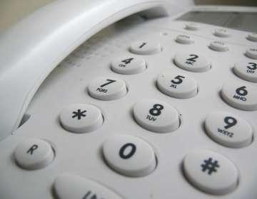 El hombre de 65 años fue localizado porque realizó la llamada desde un teléfono fijo. Foto: Referencial/Pixabay