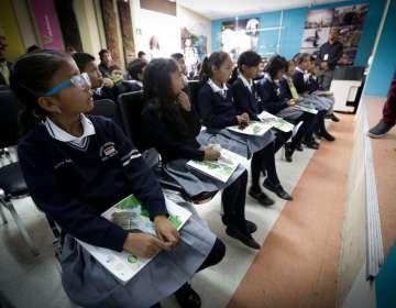 Estudiantes de planteles votarán si están o no de acuerdo con el cambio de vestimenta. Foto referencial / Flickr Min. Educación