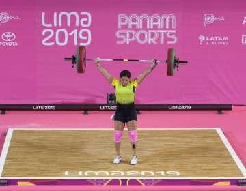 La ecuatoriana quedó en segundo lugar en los 59 kg de Levantamiento de Pesas. Foto: Tomada de @DeporteEc