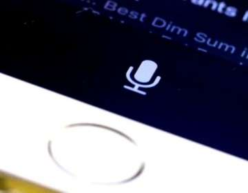 """El asistente de Apple """"se despierta"""" cuando escucha """"Oye, Siri""""."""