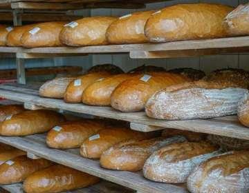 La medida incluye a alimentos como: pan, leche, azúcar y pastas. Foto: Pixabay.
