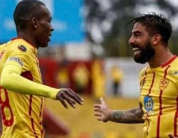 Barreiro (derecha) celebra uno de sus goles.