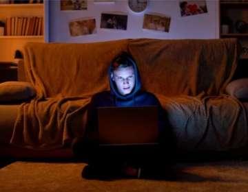 Las ideologías extremistas tan extendidas en internet podrían estar influenciando a los adolescentes. Foto: Getty Images