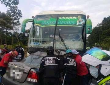 GUAYAS, Ecuador.- Los heridos del bus fueron trasladados hasta un hospital en Bucay. Foto: CTE