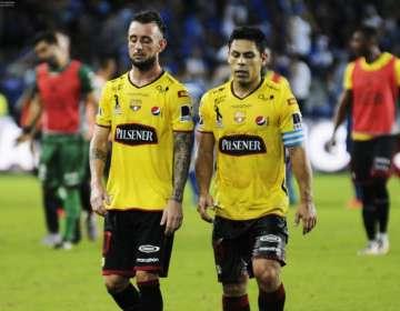 Damián Díaz y Matías Oyola volantes de BSC.