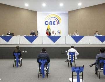 Los vocales del CNE sesionaron la noche de este viernes 26 de febrero. Foto: CNE.