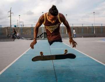 Alfonso Mendoza también patina en su tiempo libre. Foto: El Tiempo