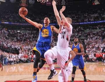 Curry fue la figura de Golden State en el partido.