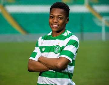 El jugador del Celtic es sensación en redes sociales.