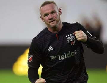 Rooney le dio la victoria a su equipo.