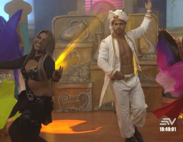 """Efraín Ruales bailando en """"la máquina del baile"""""""
